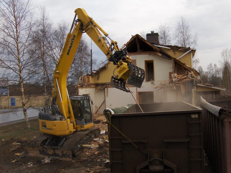 Rivning av hus egnahemshus rivs sortering av avfall